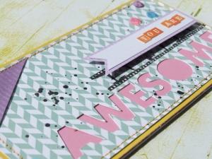 """carte """"you are awesome"""", j'ai apporté un peu de tonicité avec des couleurs complémentaires comme le jaune et le violet, le bleu et le orange... et du contraste avec des tâches noires et le magnifique tampon pellicule."""