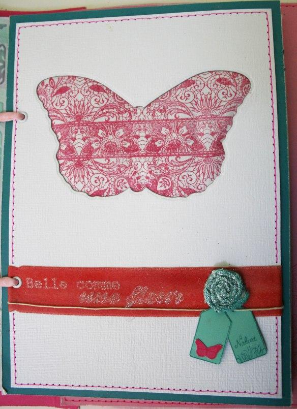 Découpe papillon (DCU-L-0014), tampon fines dentelles (MJM-004-B), ruban satin 25mm (R-10-0001)